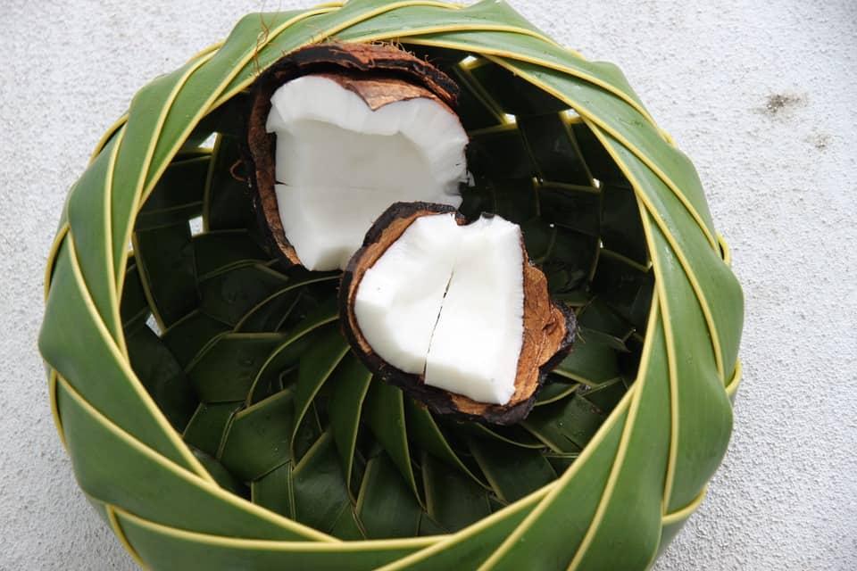 Beneficios de los ácidos grasos de coco en los dientes